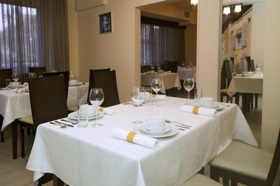 Hotel Atos Warsaw
