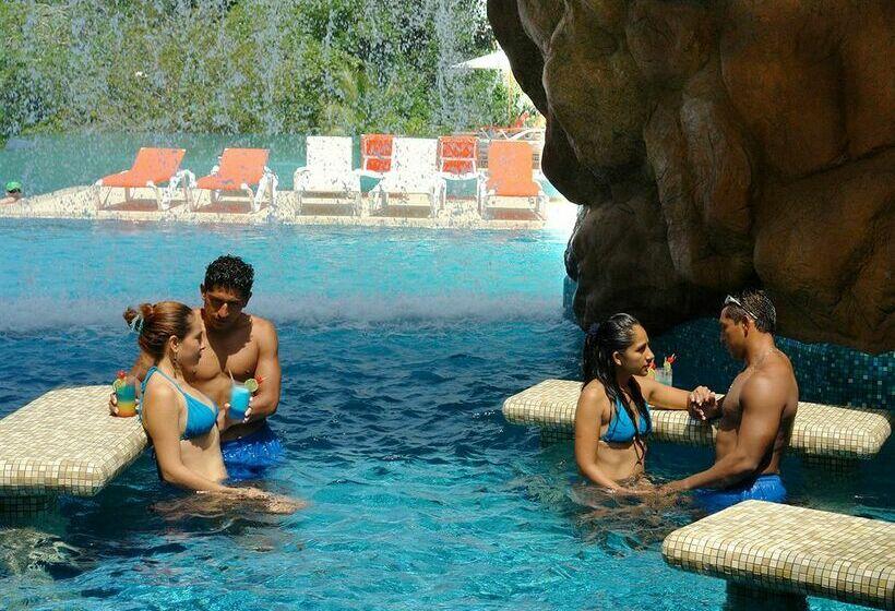 Gay au naturel resorts
