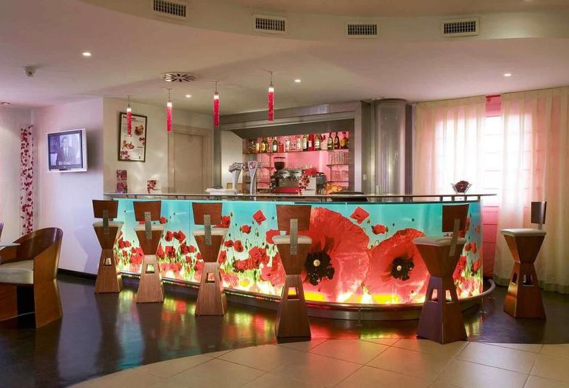 Hotel ibis madrid alcorcon tresaguas en alcorc n destinia for Hotel ibis salamanca telefono