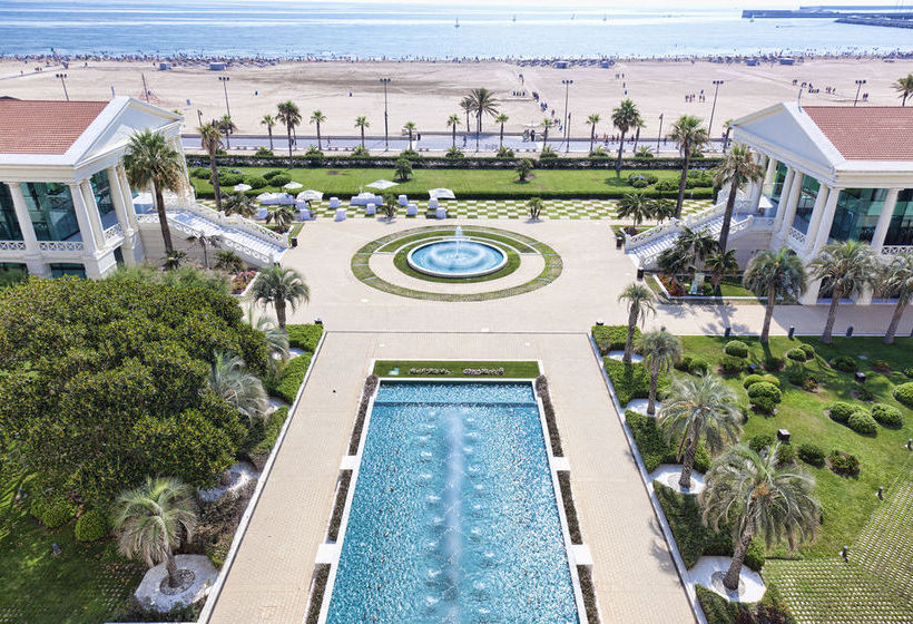 Outside Las Arenas Balneario Resort Valencia