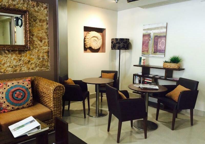 Alexandra Aparthotel - BenstarHotelGroup Tarragona