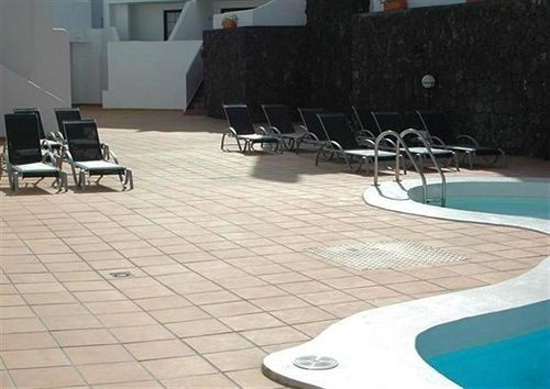 Swimming pool Apartamentos Tabaiba Center Costa Teguise