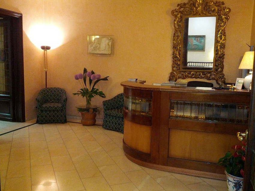 Reception Hotel Accademia Florence