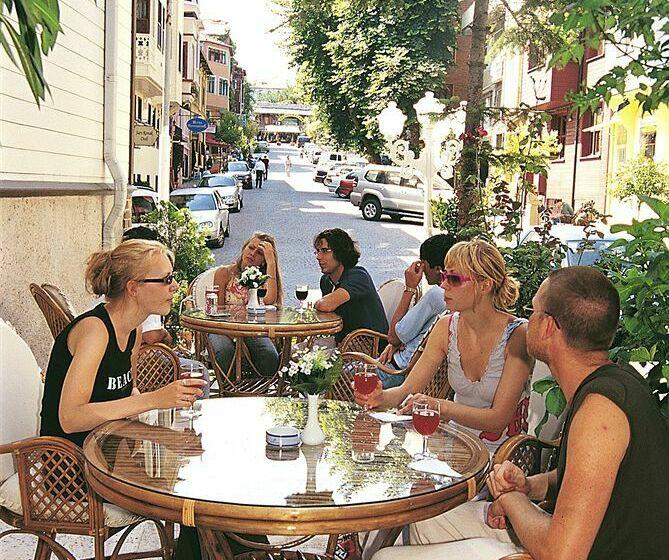 Historia hotel a istanbul a partire da 18 destinia for Leyenda hotel istanbul