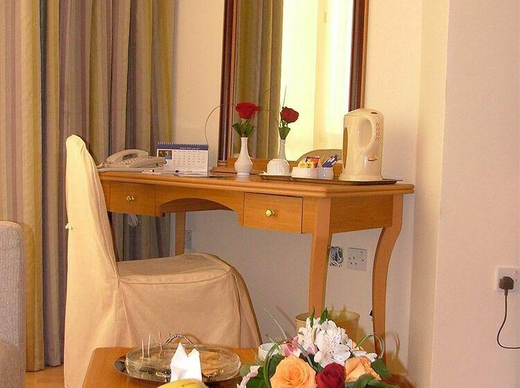 Hotel Le Royal Express Salmiya Hawalli