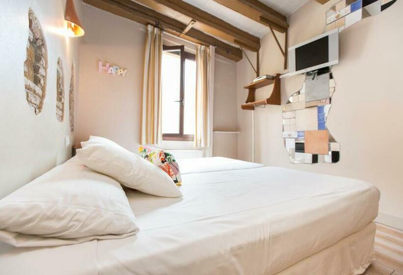 Room Apartamentos AinB Gothic Jaume I Barcelona