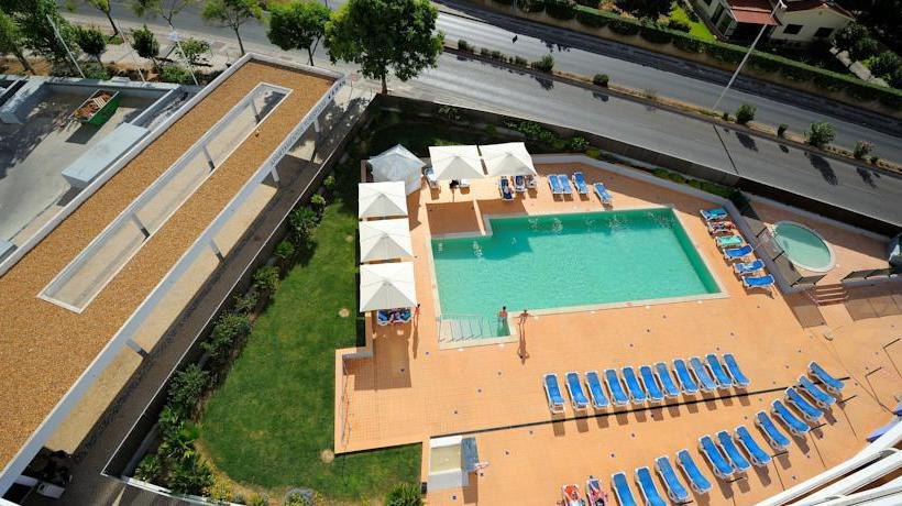 Swimming pool Apartamentos Oceano Atlantico Portimao
