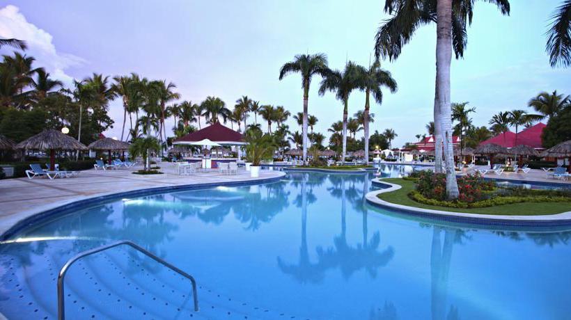 Swimming pool Hotel Grand Bahia Principe La Romana