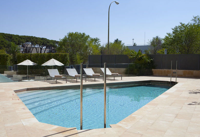 Swimming pool Hotel Santos Maydrit Madrid