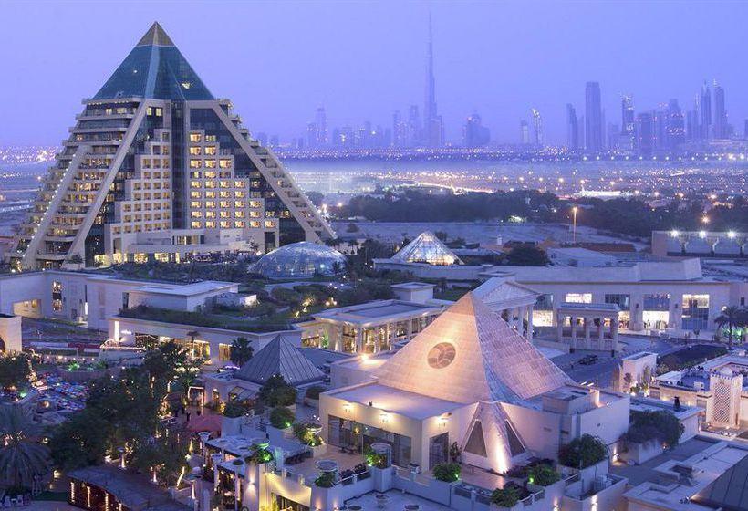 Outside Hotel Raffles Dubai