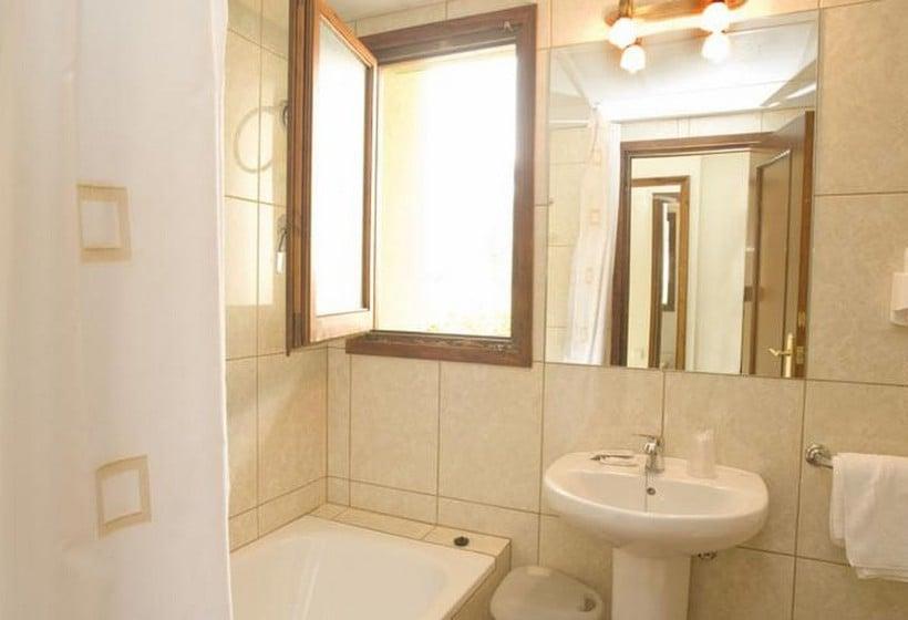 Bathroom Hotel Llibrada Benasque