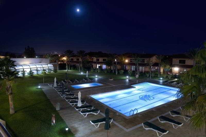 clipper hotel villas en torroella de montgr destinia