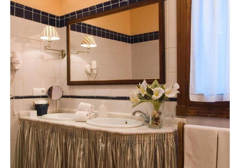 Jabaga Spain  city photos gallery : Cuarto de baño Hotel Rural La Casita de Cabrejas Jábaga 28 / 33
