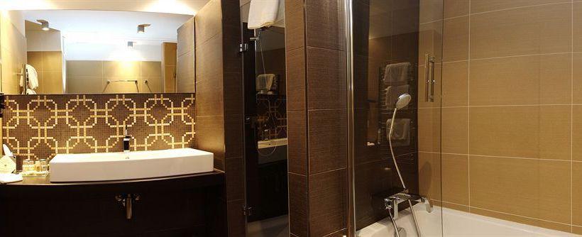 Continental hotel zara a budapest a partire da 37 destinia for Zara hotel budapest