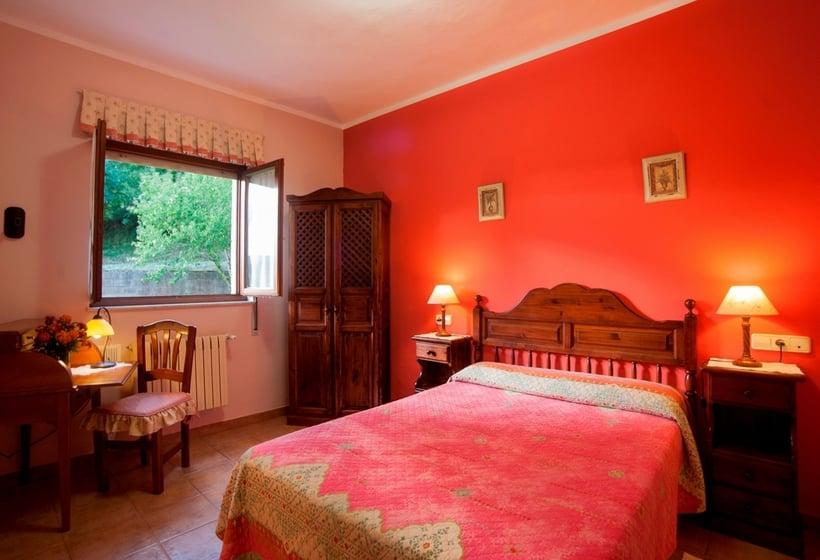 Room Casa Rural Santu Colás Cangas de Onis