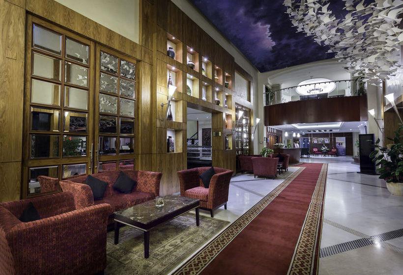 Hotel Ramada Dammam & Suites
