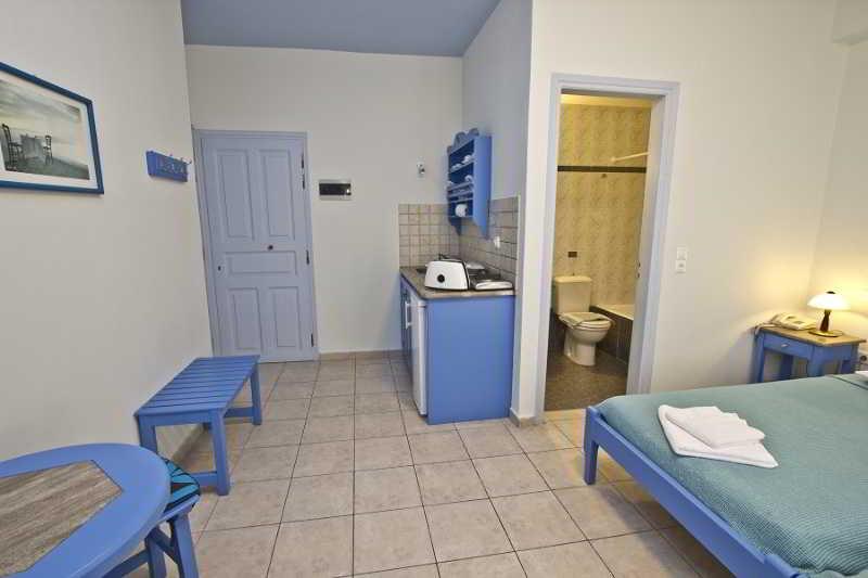 Erato Apartments Firostefani