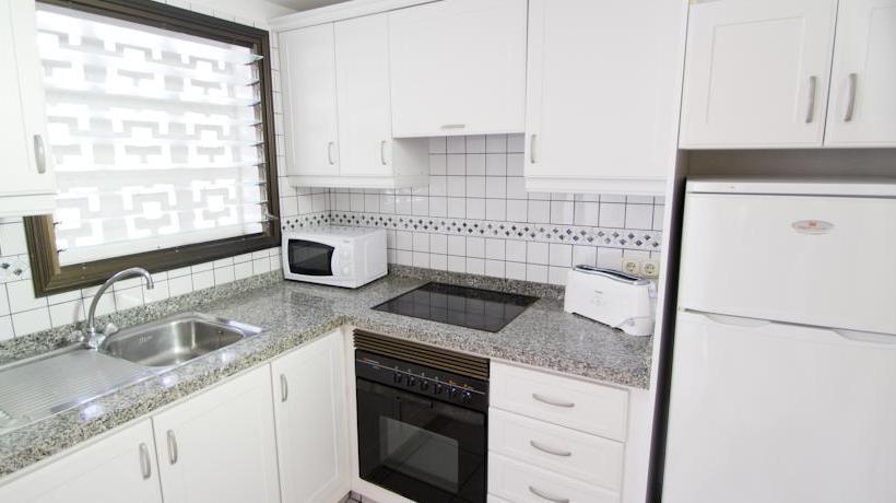 آشپزخانه Apartamentos Sunset Bay Club Costa Adeje