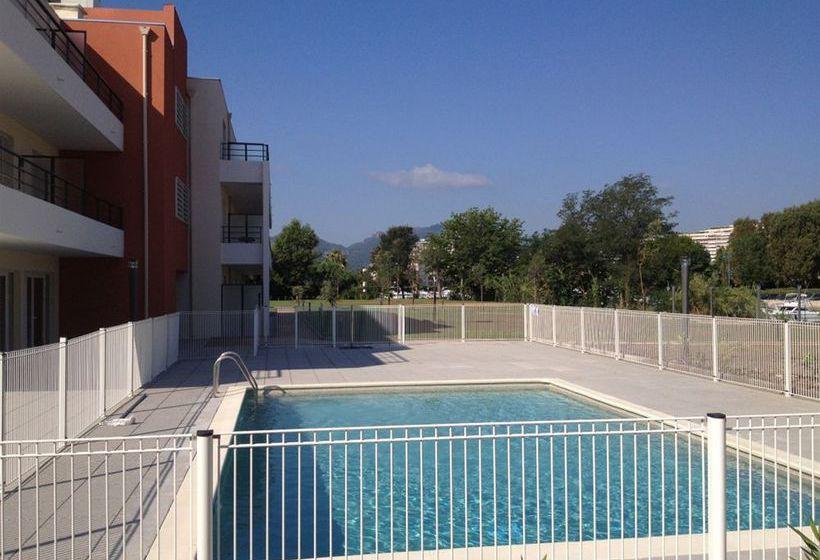 Swimming pool Hotel Comfort Suites Cannes Mandelieu Mandelieu la Napoule