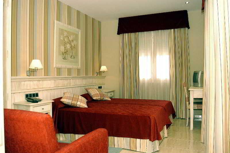 Hotel playa de valdelagrana en el puerto de santa mar a destinia - Autobus madrid puerto de santa maria ...