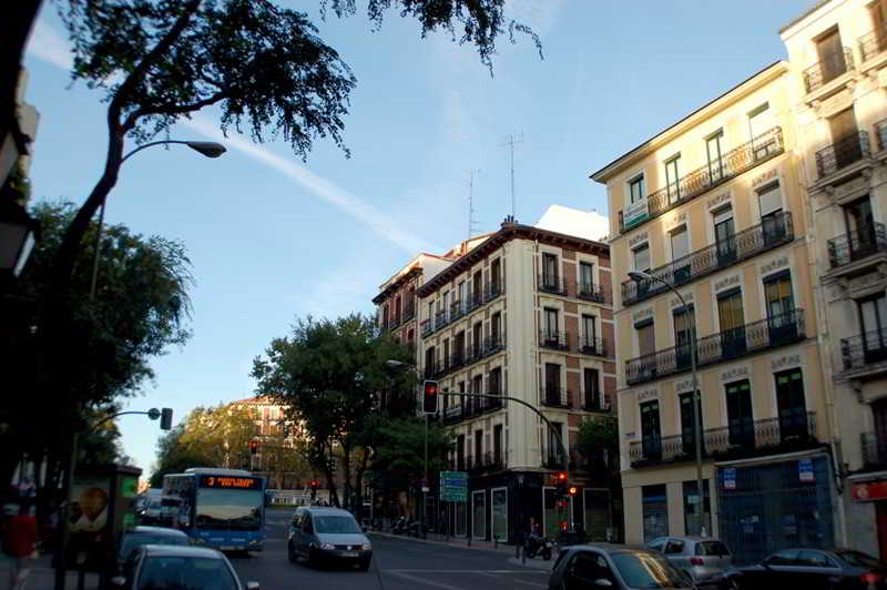 Apartamentos San Bernardo 3000 Madrid