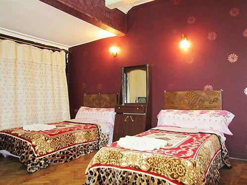Hotel Cairo Moon