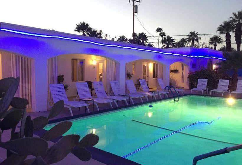 Lesbian hotel palm springs