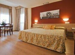 Hoteles en Dos Hermanas baratos desde 32 €  3fd6bc14284e