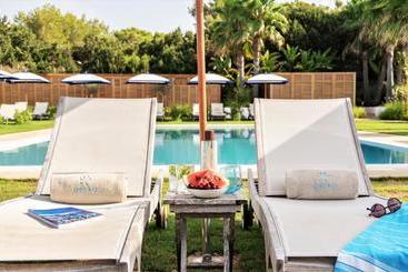 Gecko Hotel & Beach Club - Playa Mitjorn