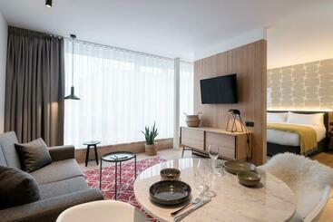 Premier Suites Plus Antwerp - Antwerpen