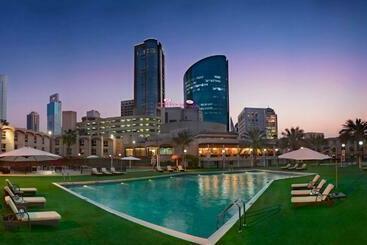 Crowne Plaza Bahrain - المنامة