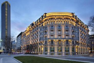 Excelsior  Gallia, A Luxury Collection , Milan - ??