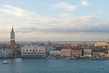 Savoia & Jolanda - Venecia