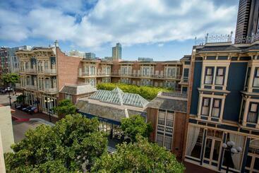 Horton Grand Hotel - San Diego