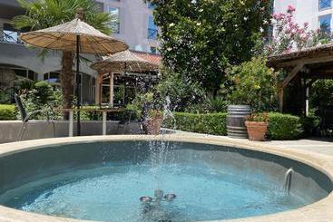 Rogner Hotel Tirana - Tirana