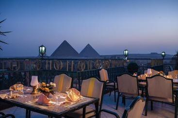 Pyramids Plaza Hotel - El Cairo
