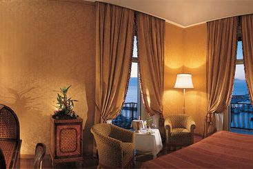 Grand Hotel Vesuvio - Nápoles