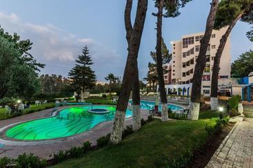 Menzeh Zalagh Hotel