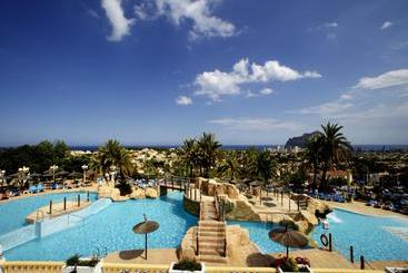 Bungalows Residencial Casanova in Calpe, starting at £32
