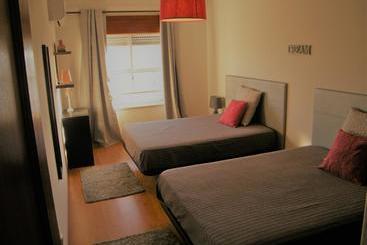 Apartamentos maralvor en alvor desde 15 destinia - Apartamentos en lisboa baratos ...
