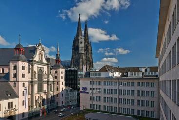 Hilton Cologne - Cologne