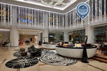 Pullman Kuala Lumpur City Centre Hotel & Residences - Kuala Lumpur