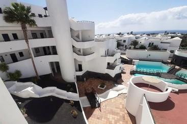 Club Las Colinas Apartamentos - Costa Teguise