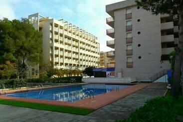 Apartamentos baratos y vacacionales de playa destinia - Apartamentos pueblo menorquin ...