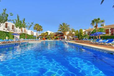 Swimming pool ALEGRIA Infiniti Beach Resort Vera