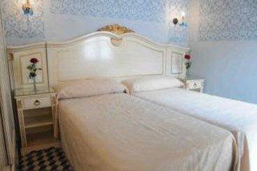 Hotel casa de las mercedes en m laga destinia - Casa plus malaga ...