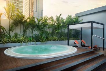 Radisson Suites Bangkok Sukhumvit - Bangkok