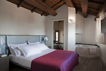 Navona Palace Luxury Inn - روما