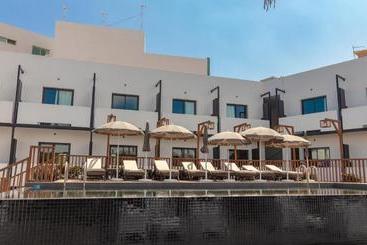 Onomo  Dakar - داكار