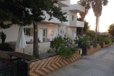 Astrofegia Apartments - Paphos